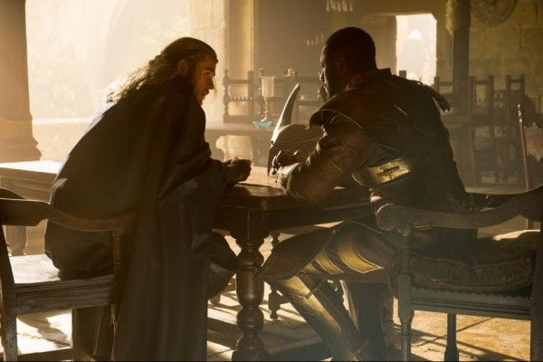 thor-the-dark-world-chris-hemsworth-idris-elba