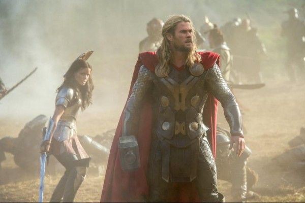 thor-the-dark-world-chris-hemsworth-jaimie-alexander