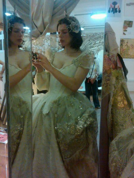 three_musketeers_milla_jovovich_costume_test_01