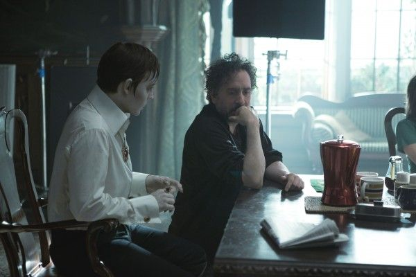 tim-burton-johnny-depp-dark-shadows-image