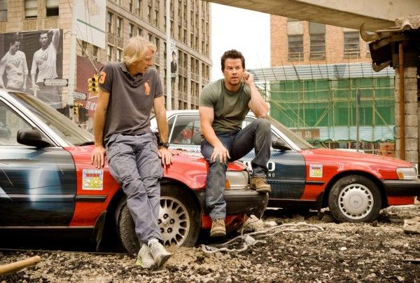 transformers-4-age-of-extinction-michael-bay-mark-wahlberg-set-photo