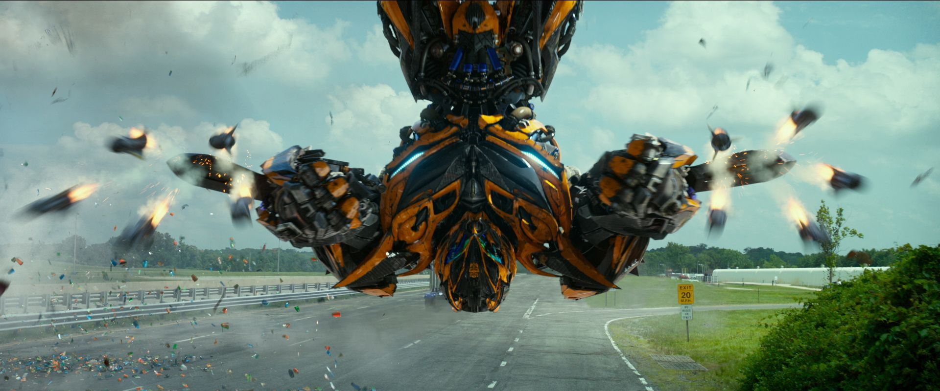 39 transformers 39 spinoff bumblebee release date cast revealed collider. Black Bedroom Furniture Sets. Home Design Ideas