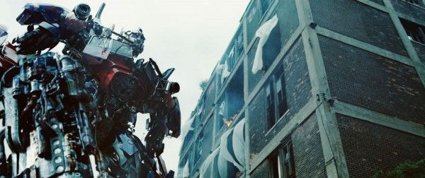 transformers-dark-of-the-moon-movie-image-optimus-prime-01-transformers-4