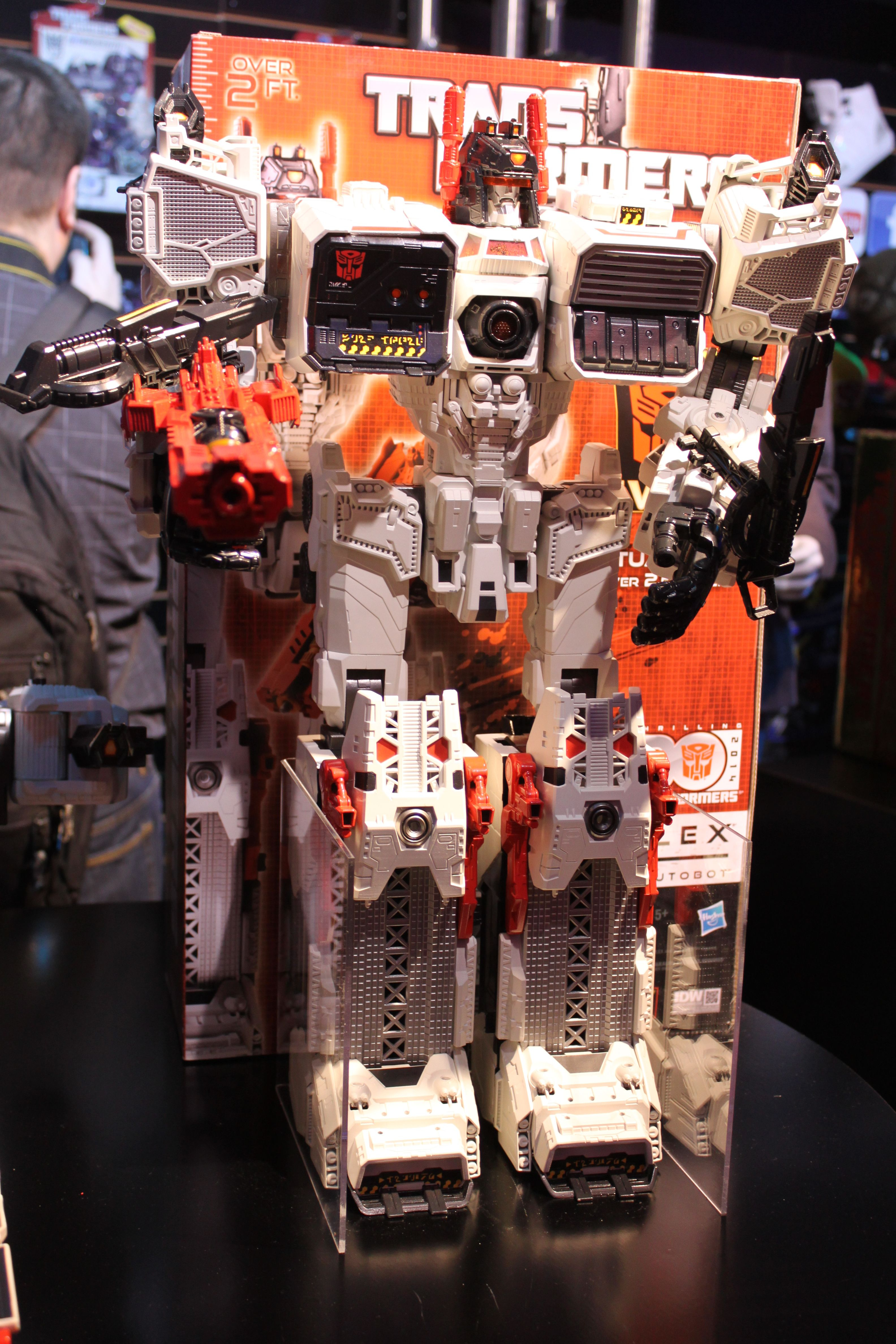 Toy Fair 2013: New TRANSFORMERS Toys Featuring the Biggest ...