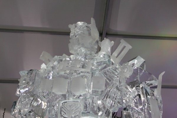 transformers_ice_sculpture_03