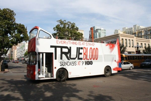 true-blood-bus-comiccon