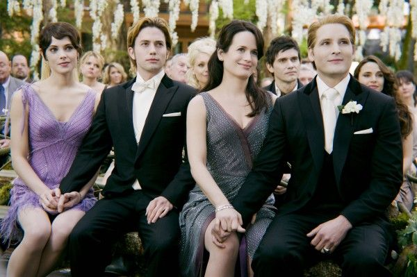 twilight-breaking-dawn-part-1-movie-image-cullen-wedding-01