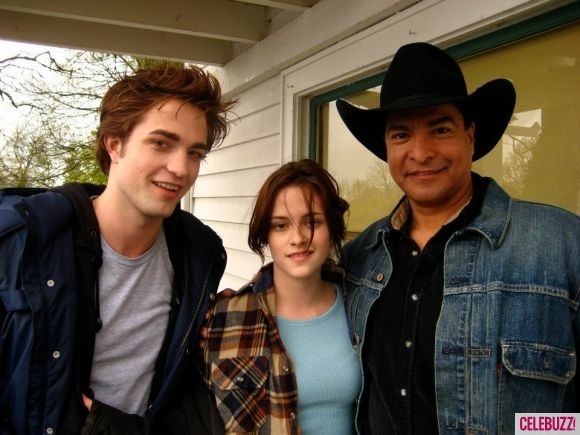 twilight-robert-pattinson-kristen-stewart-gil-birmingham
