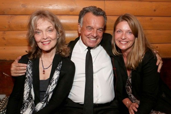 twin-peaks-the-entire-myster-grace-zabriskie-ray-wise-sheryl-lee