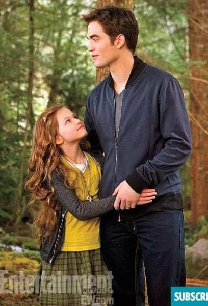 twlight-breaking-dawn-2-robert-pattinson-mackenzie-foy-ew
