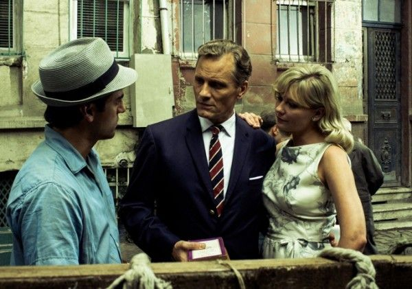 two-faces-of-january-mortensen-isaac-dunst-1