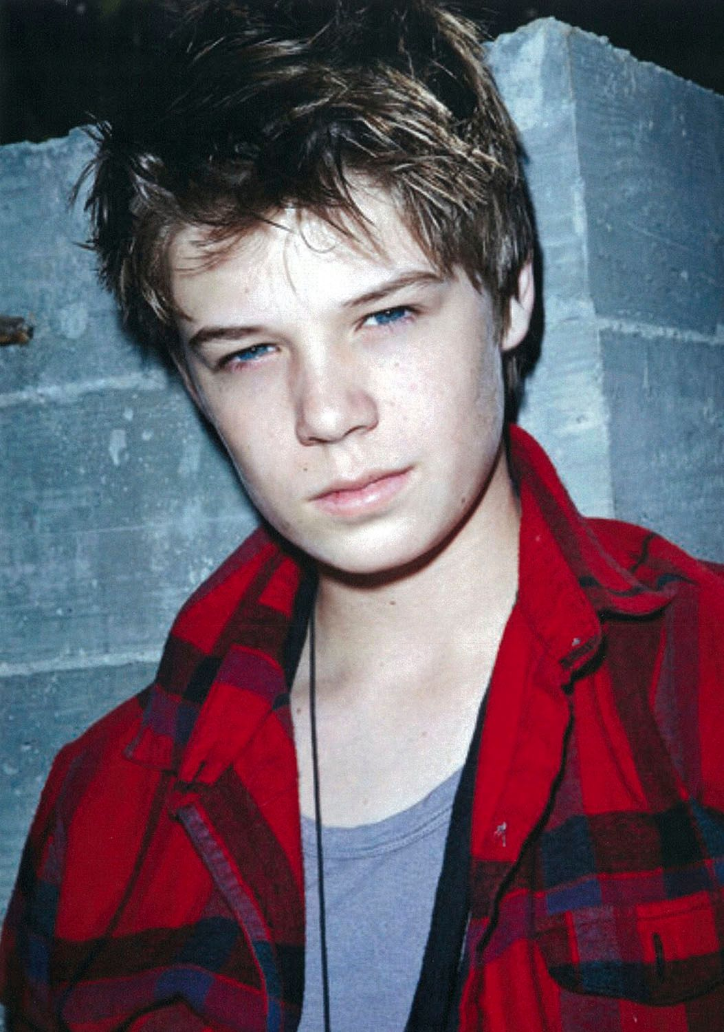 colin ford barefoot