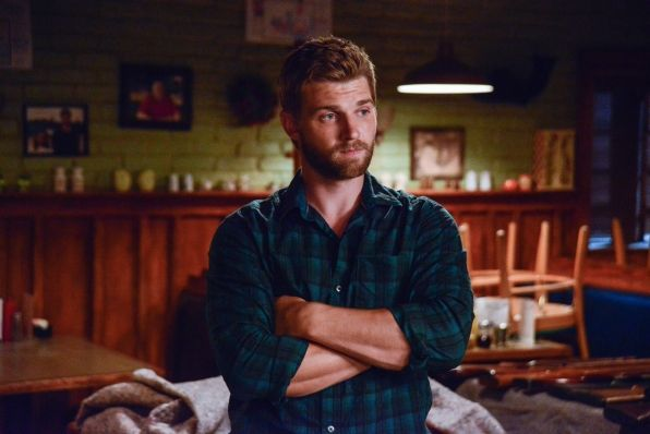 under the dome fourth hand mike vogel