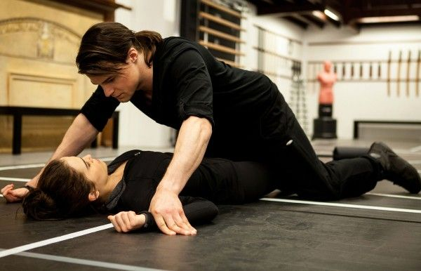 vampire academy interview danila kozlovsky and zoey deutch dating