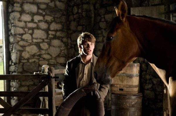 war-horse-movie-image-jeremy-irvine-08