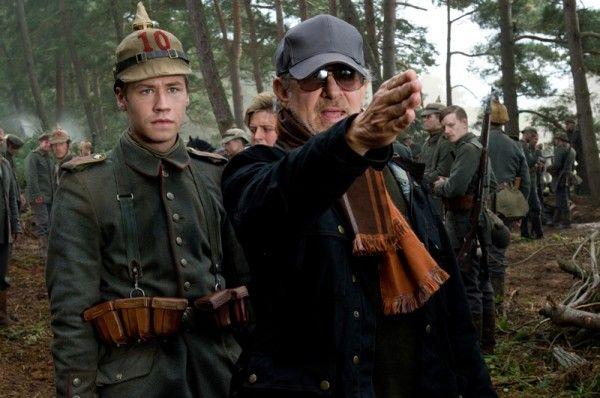 war-horse-steven-spielberg-movie-set-photo-01