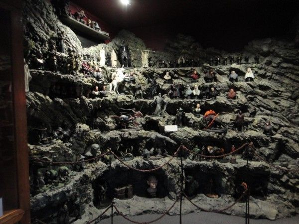 weta-cave-store-image (10)