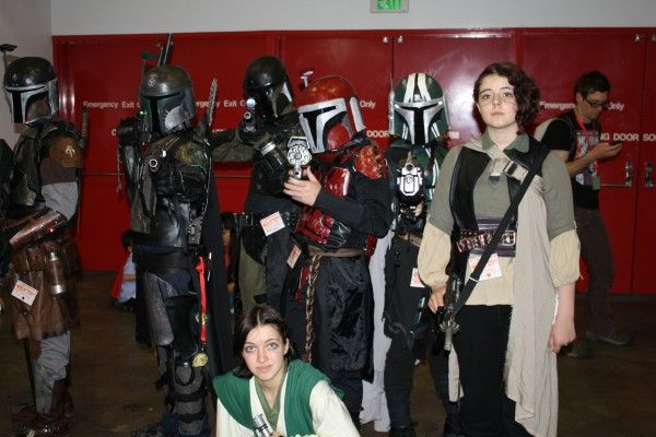 wondercon-image-convention-floor-people-in-costume-13