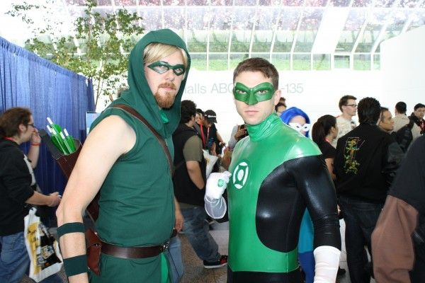 wondercon-image-convention-floor-people-in-costume-6
