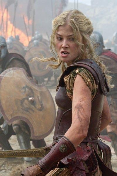 wrath-of-the-titans-andromeda-rosamund-pike