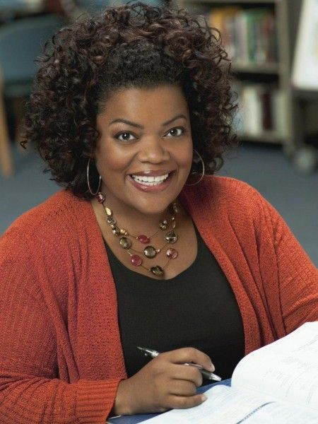 yvette-nicole-brown-community-image-1
